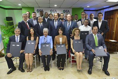 19 empresas reciben certificación OEA. República Dominicana lidera la región.