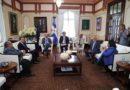 Presidente Danilo Medina trata con funcionarios principales retos del sistema Salud