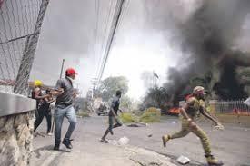 Haitianos queman su país con saña ancestral