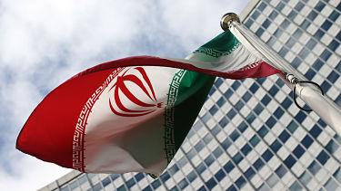 Asesor del presidente iraní: Si EE.UU. quiere negociar con Irán, debe volver al acuerdo nuclear