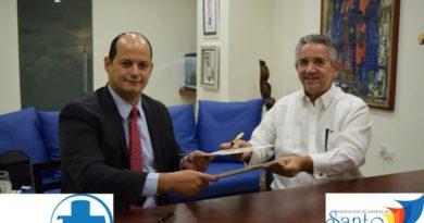 AHSD y Asoc. Dom. de Turismo de Salud firman convenio interinstitucional
