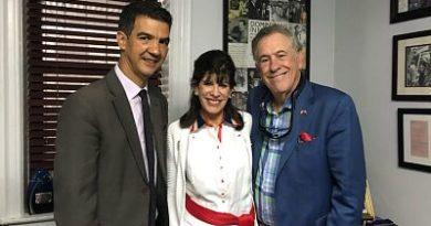 Embajadora Estados Unidos en RD visita al concejal Ydanis Rodríguez