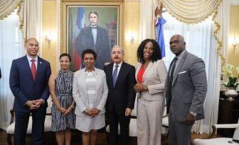 Presidente Danilo Medina recibe a congresistas de Nueva York