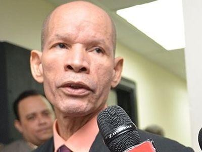 Médico Julio Gómez es enviado a juicio de fondo