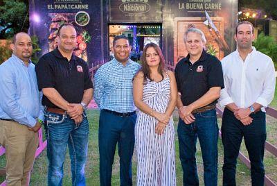 """Supermercados Nacional celebra el evento """"El papá de la carne"""""""