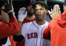 Martínez y Devers la sacan y Boston se acerca al título de su división