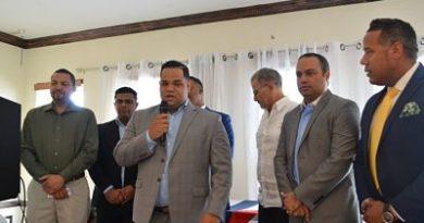 Líderes dominicanos abogan por nueva Junta de Educación en Paterson