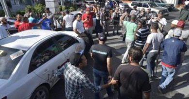 Alzas de combustibles y apagones motorizan protestas contra el Gobierno