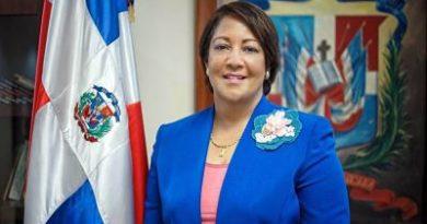 Gobernadora Ana María Domínguez destaca logros 6 años del presidente Medina