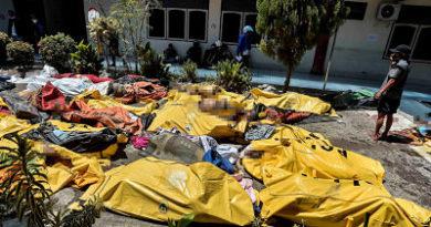 """Podría haber """"miles de muertos"""": son ya 832 las víctimas mortales por el sismo en Indonesia"""