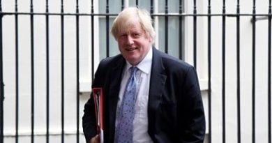 Acusan a May de atacar a Boris Johnson aireando su vida sexual
