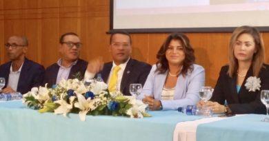 UNADOCA realiza rueda de prensa para anunciar su apoyo aLeonel Fernández en visitas bajo techo a los 158 municipios del país