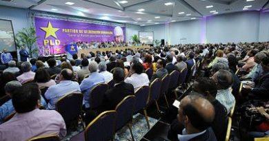 PLD depura padrón: Estos son los miembros convocados para la próxima reunión del Comité Central
