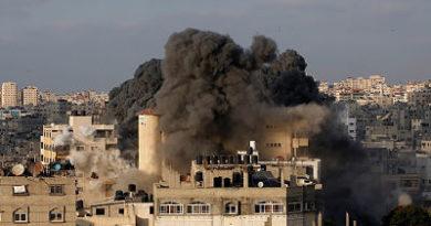 """Israel bombardea """"blancos terroristas"""" en Gaza en respuesta al lanzamiento de misiles"""