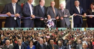 Comisionado Cultura NY inaugura Feria del Libro