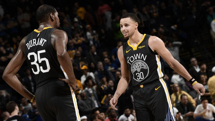 Los Warriors se llevan la victoria 147-140 ante los Pelicans