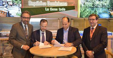 Entidades suscriben acuerdo para potenciar turismo de salud entre España y RD