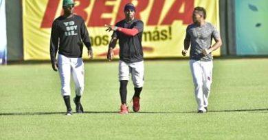 """Fernando Tatis: """"Me gustan los retos y pidió juego divertido en la Serie del Caribe"""""""