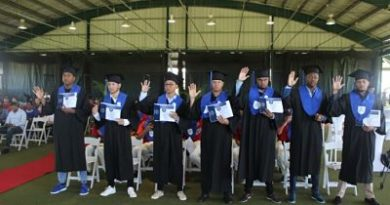 Prospectos de Twins de Minnesota aspiran a más; se gradúan de bachiller con CENAPEC