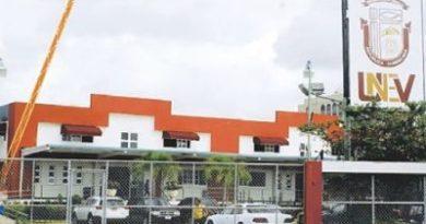 Universidad Nacional Evangélica repudia forma en que DNCD irrumpió en su recinto