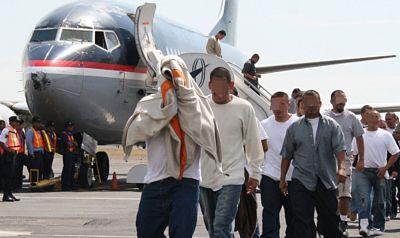 Primer grupo de dominicanos del 2019 llega al país repatriado de EEUU