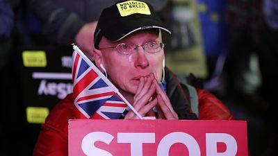 La UE pide clarificaciones a Londres mientras se prepara para lo peor