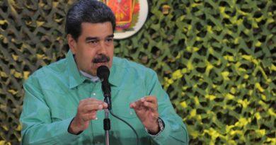 """Maduro ordena un plan de despliegue de las Fuerzas Armadas ante """"la provocación"""" en la frontera con Colombia"""