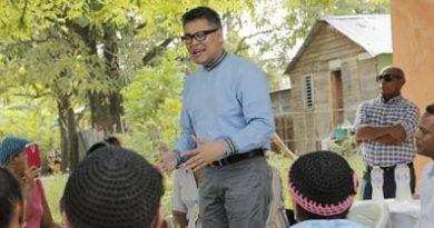 Carlos Peña: Tener título universitario garantizará ingresos mensuales en nuestro gobierno