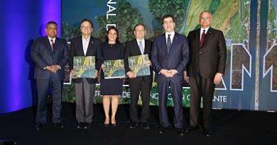Popular Bank Ltd, filial panameña de Grupo Popular Dominicano publica libro sobre Canal de Panamá