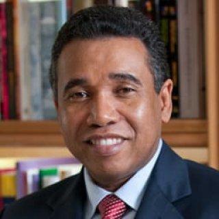 Senador Félix Bautista somete 16 proyectos de Ley