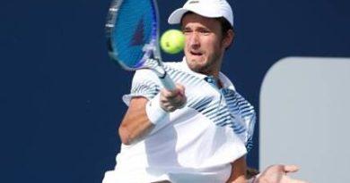 Medvedev acaba con la sorpresa de Opelka y jugará octavos ante Federer