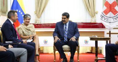 """Maduro: """"Venezuela acuerda con la Cruz Roja Internacional recibir ayuda humanitaria"""""""