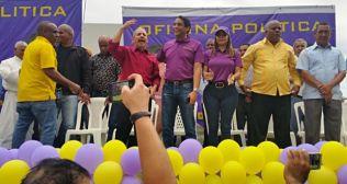 SE ACTIVA: Aspirante alcalde Leandro González inaugura Oficina Política en Villa Mella