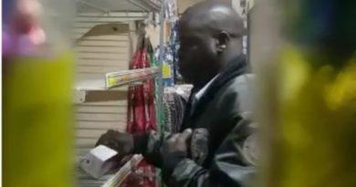 CON LA MANOS EN LA MASA : Pensionado PN es captado en video robando en un establecimiento comercial en Bonao