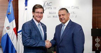 Autoridades y empresarios de República Dominicana y Puerto Rico buscan incrementar tráfico aéreo