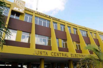 JCE formaliza contrato con empresa por 1,008 millones de pesos para primarias