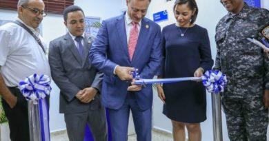 Jean Rodríguez entrega renovada la Fiscalía de Villa Altagracia
