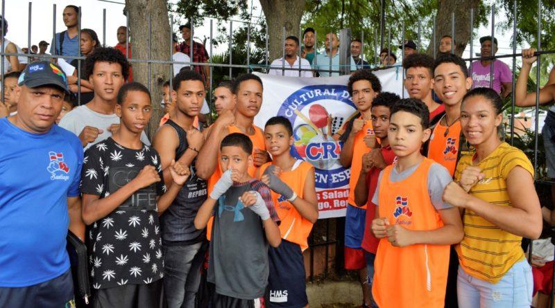 Con una cartelera de 23 peleas dedicada a las madres sigue XX Torneo Boxeo Novatos de Santiago