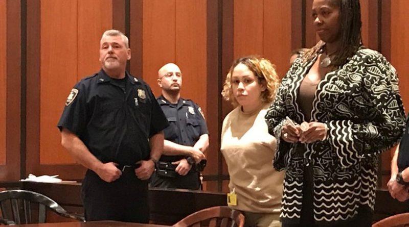 Condenan dominicana a 364 días por red de prostitución y apuestas ilegales con su esposo