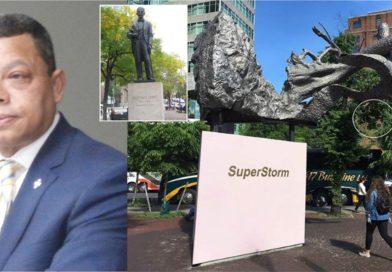 Duartianos exigen remoción de escultura que bloquea vista a estatua de Duarte en Manhattan