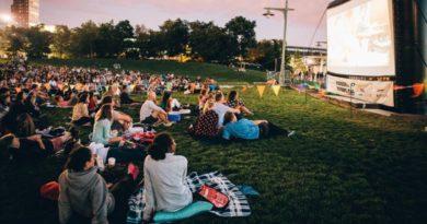 La nostálgica tradición de películas gratis al aire libre vuelve a los parques del Alto Manhattan este verano