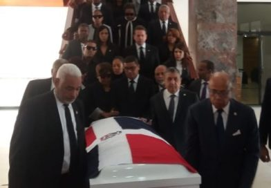 Congreso rinde honores a alcalde de Boca Chica