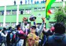 Se amotinan policías de dos ciudades en Bolivia