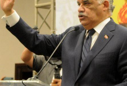 Dirigentes y exmilitantes partidos oposición pasan al PRD
