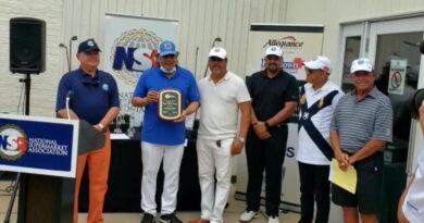 Empresarios en Nueva York reconocen labor del cónsul Carlos Castillo