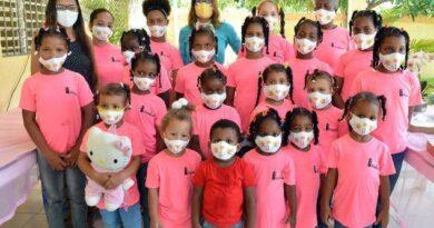 InmodaRD entrega 600 mascarillas a hogar de niñas