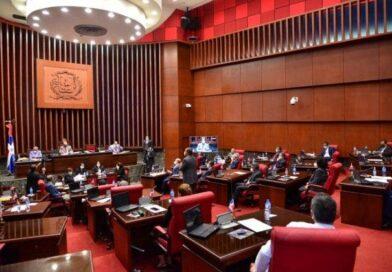 Senado convoca a sesión este martes a las 11:00 de la mañana
