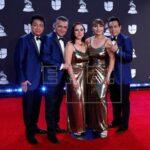 Estrellas latinas causan una explosión de color en la gala Premios Juventud#SDQPeriodicodominicano