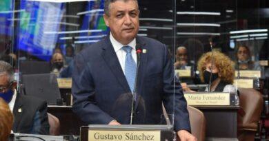 Vocero diputados PLD advierte gobierno da palos a ciegas en el diálogo nacional#SDQPeriodicodominicano